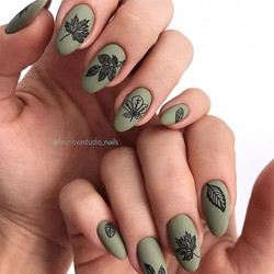 26 Gorgeous Black Nail Designs With Diamonds for 2019 : Check it out!