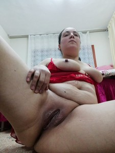 Turkish-Chubby-Slut-Mother-x7fa2ccd1e.jpg